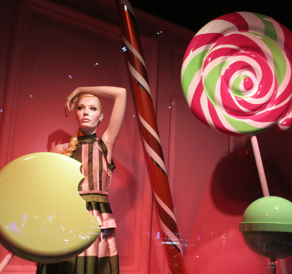 Fresh-Ideas_Luxury_Holiday16-Candy-Window2_F